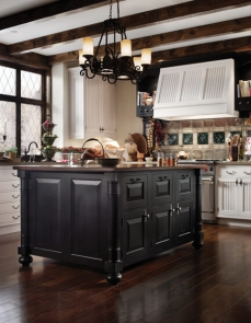 european-country-kitchen-by-wood-mode