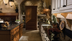 grand-villa-kitchen-by-wood-mode